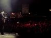 2011/08/27 - Charleville-Mezieres (France) - Peter Doherty joue sur la scene des illuminations de l'eco festival Cabaret Vert devant pres de 17.000 personnes, signant ainsi son retour avec plusieurs mois de prison. Il etait arrive dans l'apres-midi a l'aeroport de Charleroi puis s'est presente, visiblement fatigue mais sobre sur le site du festival en fin d'apres-midi apres avoir annule sa conference de presse initialement prevue. Le concert, qui a dure pres d'1H15, soit 20 minutes de plus que prevu, s'est cloture apres que Peter Doherty ai jete sa guitare dans le public.